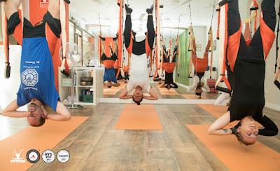 yoga, columpio, aeroyoga, trapeze, swing, hamac, hamaca, balancoire, trapecio