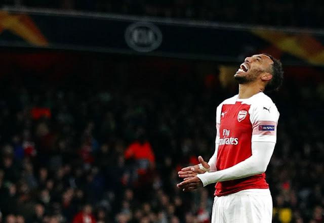 Pierre-Emerick Aubameyang menjadi andalan lini depan depan Arsenal untuk menggedor gawang Huddersfield.