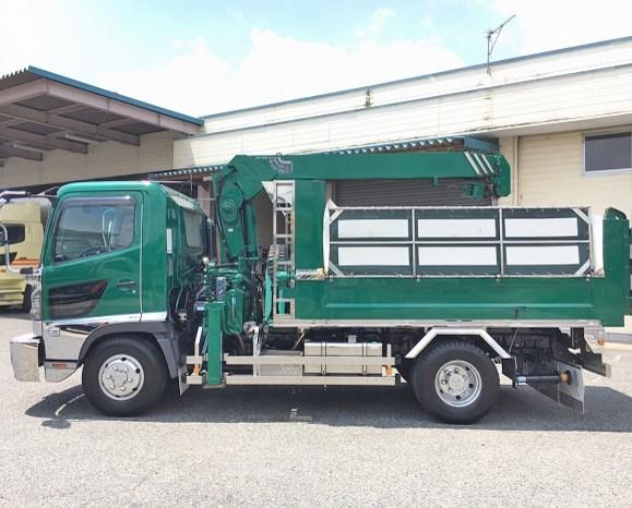gambar truk hino dutro with crane