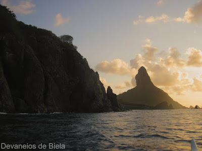 Canoa havaiana em Noronha