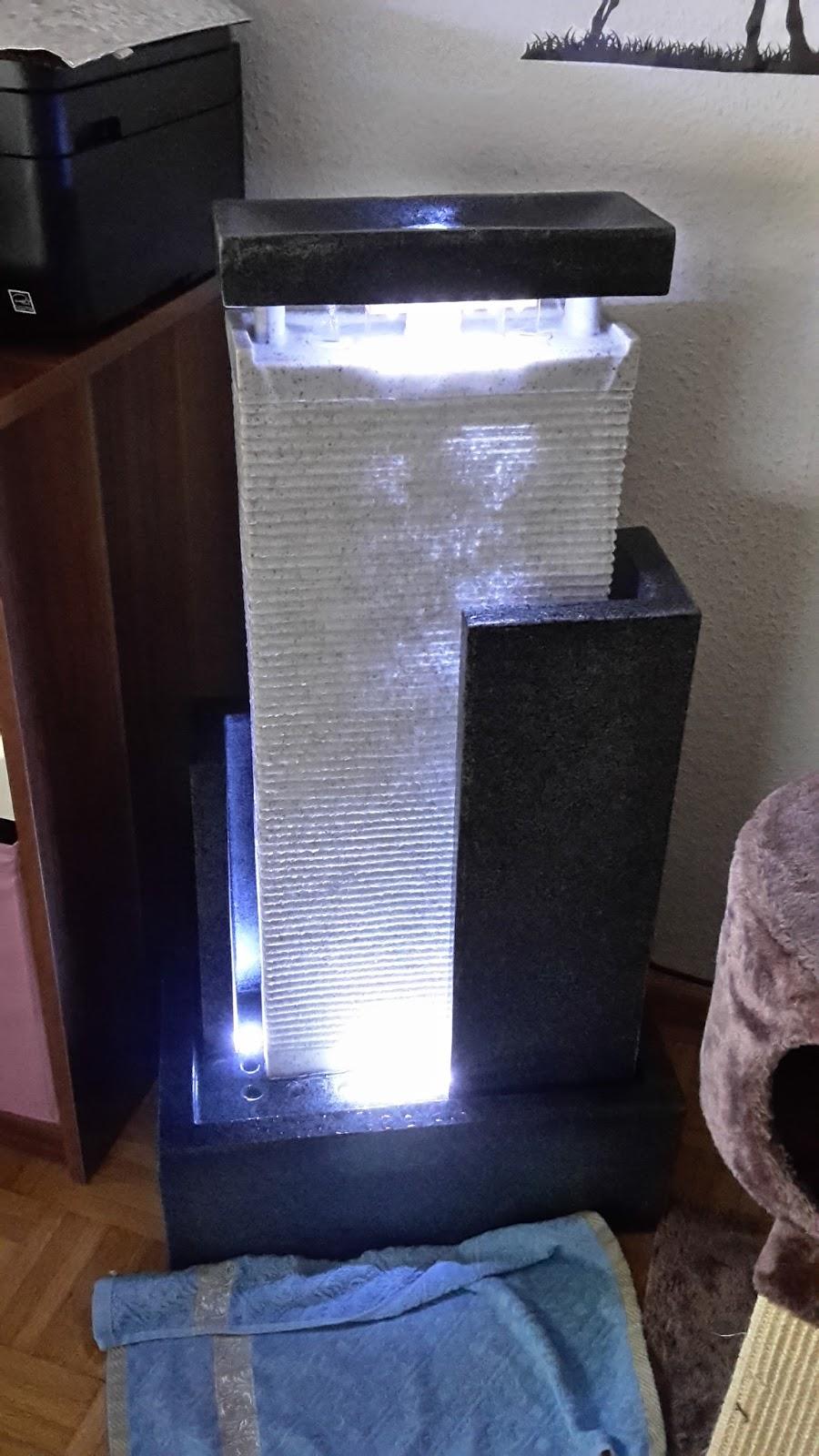 Innenarchitektur Geräumiges Wohnzimmer Deko Wasser Hochzeit Deko ...