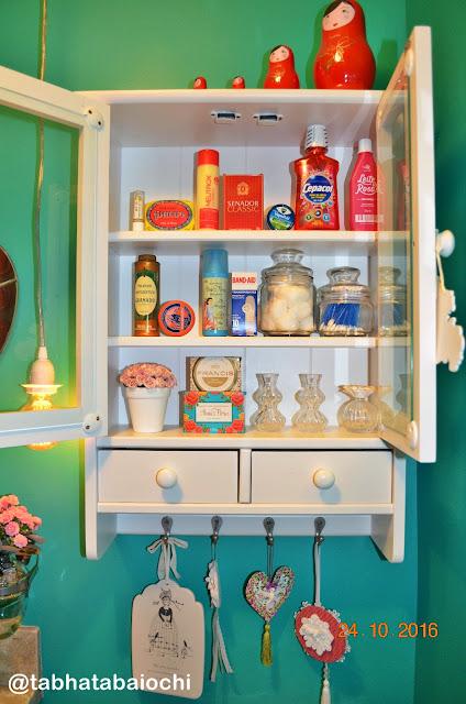 sabonetes--e produtos-retro-no-lavabo