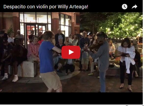 """Violinista Wuilly Arteaga tocando """"Despacito"""" en una calle de los Estados Unidos"""