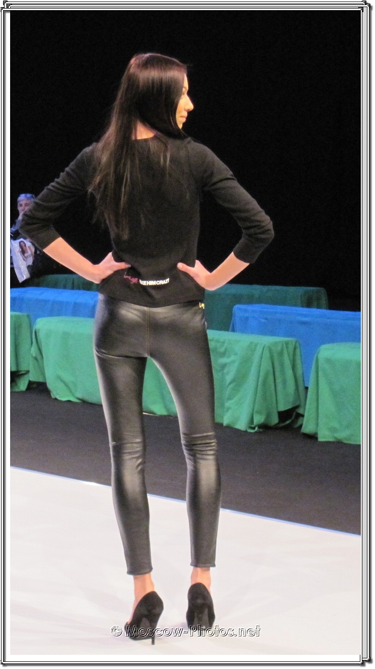Shiny Leggings Girl - Collection Premiere Moscow 2012.