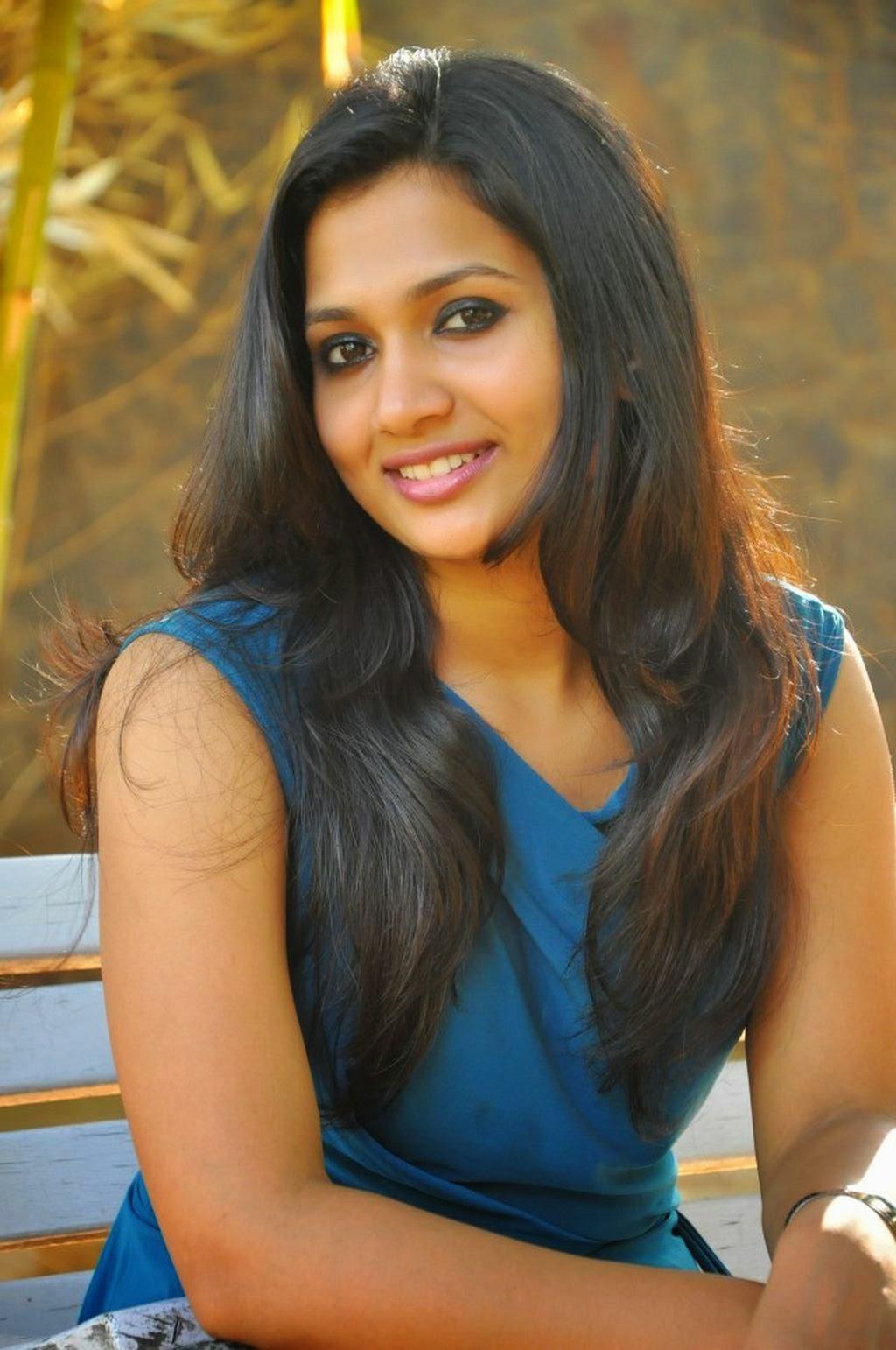 LG moviee: Niranjana New Hot Photoshoot Pics