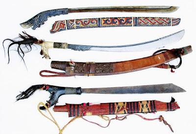 Provinsi Kalimantan Barat - Senjata Tradisional :Mandau