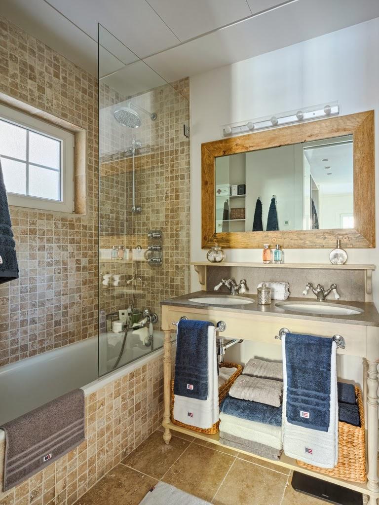 Mieszkanie z kuchnią w stylu loftu z ceglaną ścianą - wystrój wnętrz, wnętrza, urządzanie domu, dekoracje wnętrz, aranżacja wnętrz, inspiracje wnętrz,interior design , dom i wnętrze, aranżacja mieszkania, modne wnętrza, loft, styl loftowy, styl industrialny, małe mieszkanie, małe wnętrza, kawalerka, łazienka