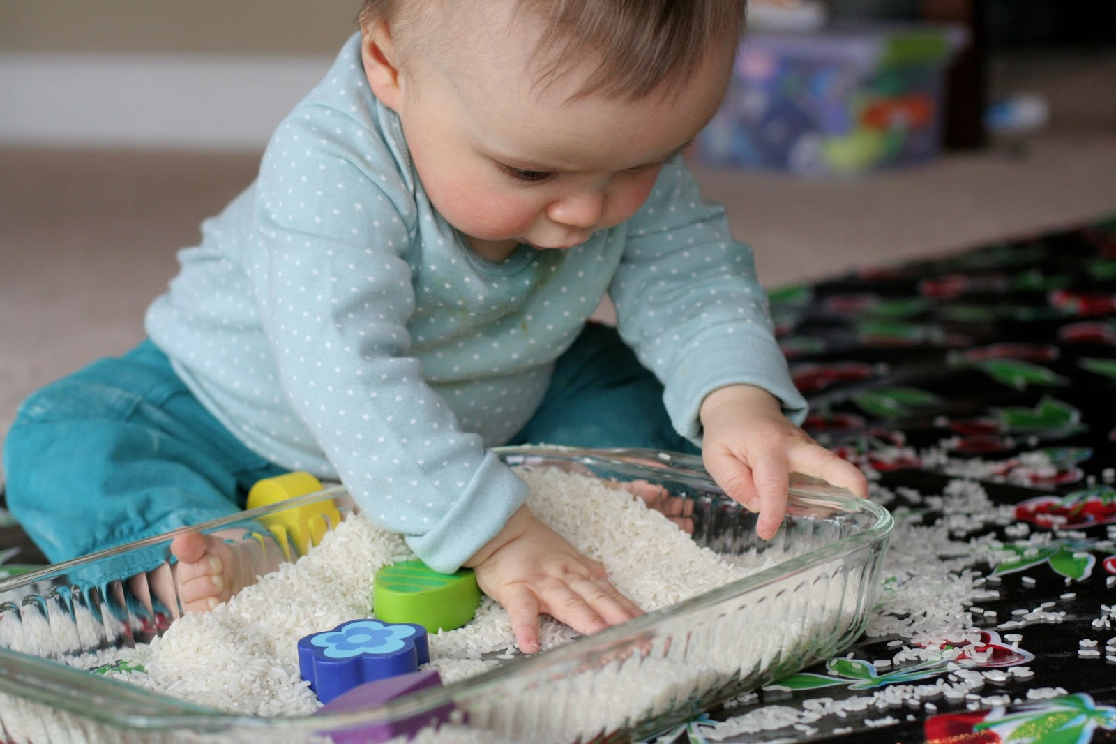 10 Easy Sensory Bins Tables For Babies Toddlers And Preschoolers