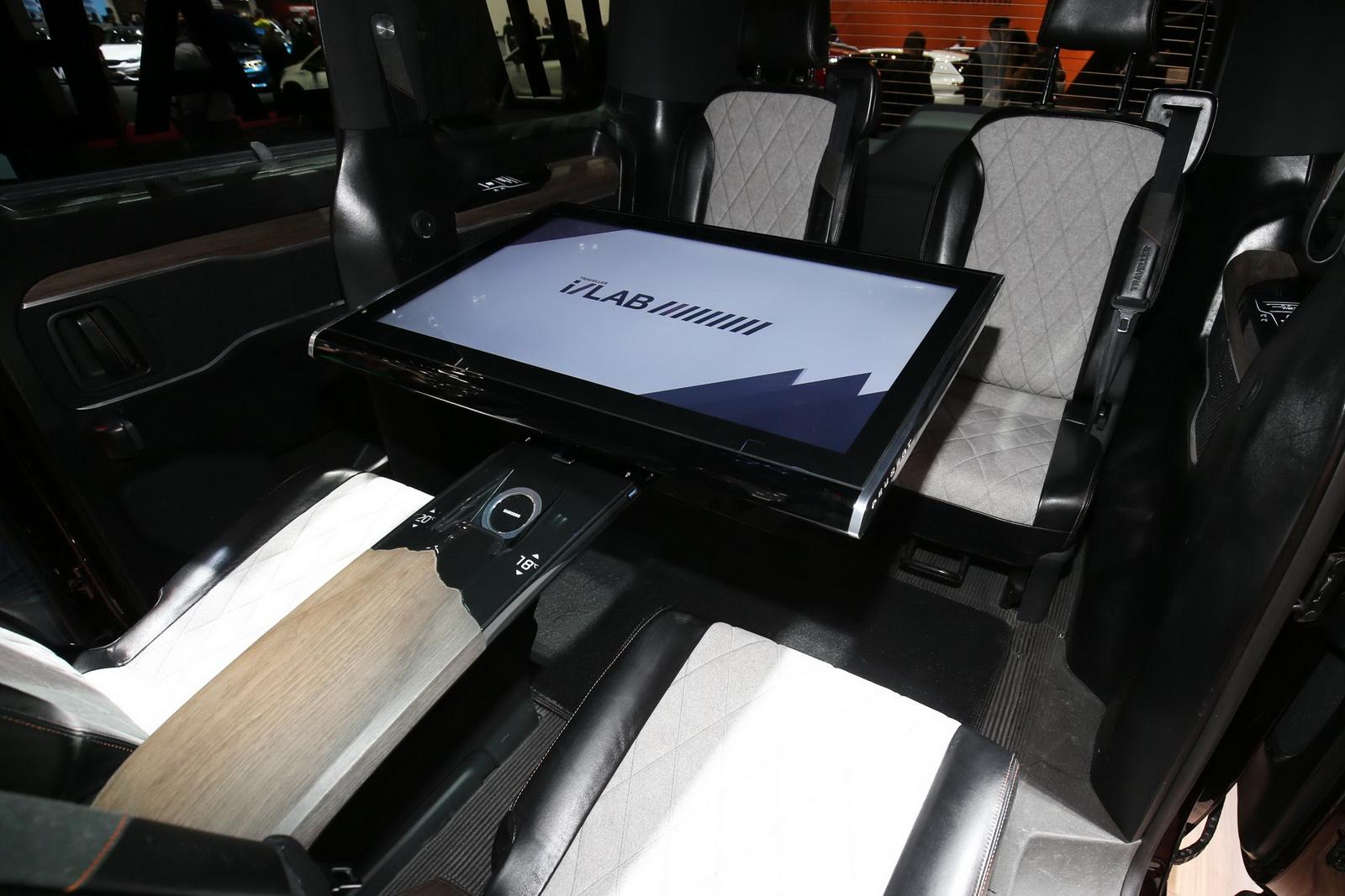 Nội thất & khả năng giải trí đỉnh cao có mặt trên Peugeot Traveller