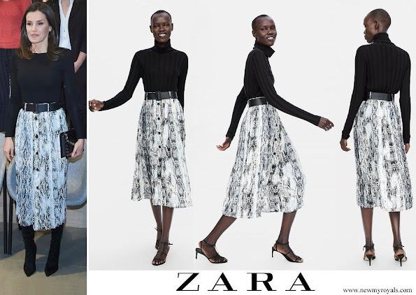 Queen Letizia wore ZARA Falda Snakeskin Print Midi Skirt