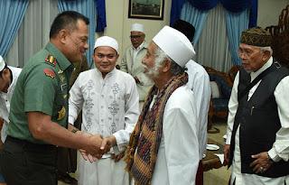 Panglima TNI Apresiasi Peran Ulama Pada Aksi Damai 4 November 2016 - Commando