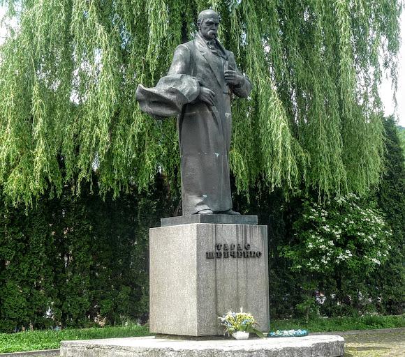 Сколе. Памятник Т. Г. Шевченко