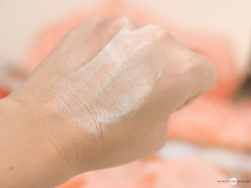 L'Oréal Wake Up And Glow Sommerkollektion Summer Collection Glow Mon Amour Highlighting Drops Swatch