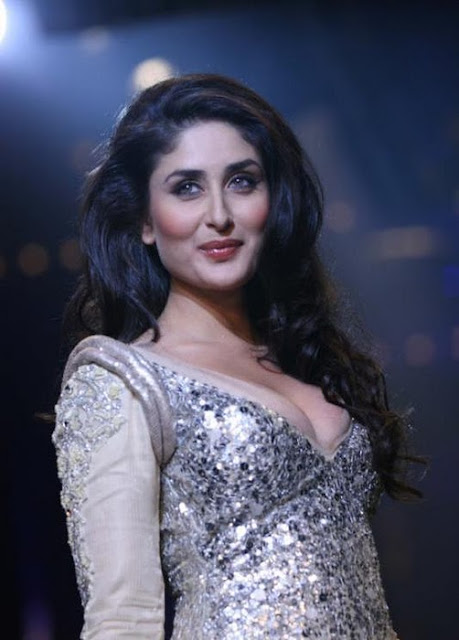 Hot Lady Kareena Kapoor Sizzling In White Dress