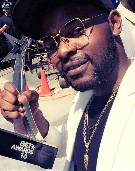 Falz shows off his BET award, poses with Black Coffee, Akon, others