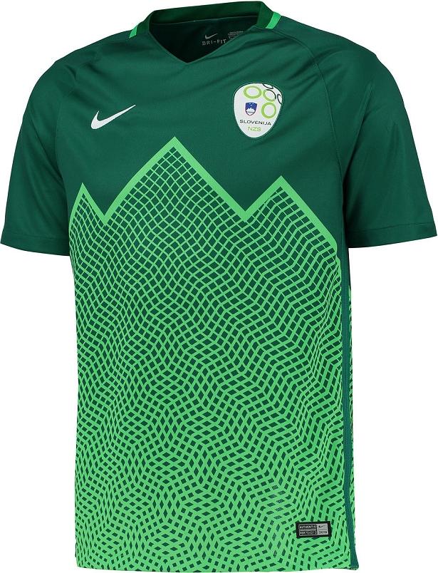 fd5c379529bbc A Classic Football Shirts possui a maior coleção de camisas internacionais  de futebol. A loja faz entregas no mundo todo e usando o cupom
