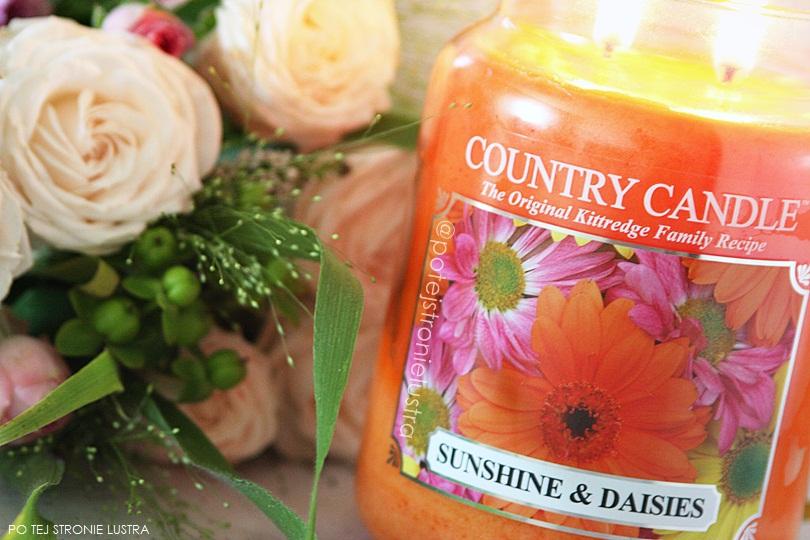 bukiet kwiatów i świeca country candle sunshine & daisies