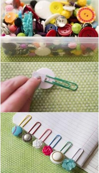 Pembatas buku dari paper clip dan kancing.