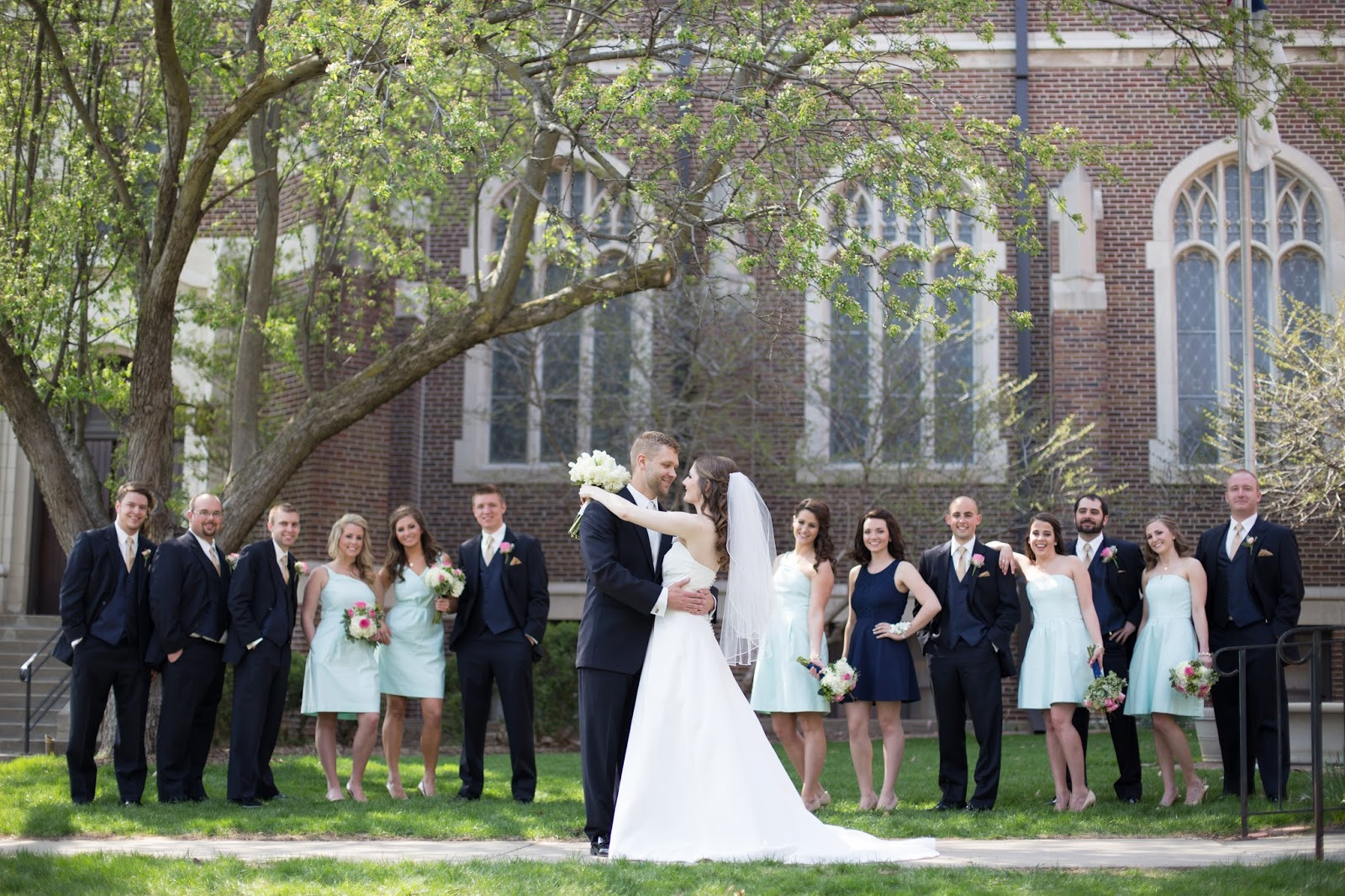 wedding bridal party pictures | a memory of us