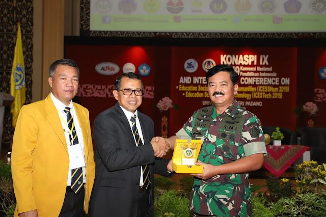 Di Kota Padang, Panglima TNI Silaturahmi Dengan 500 Rektor dan Dosen Se-Indonesia
