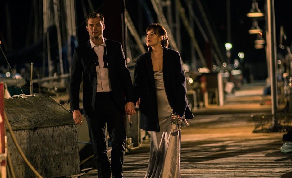 """Elenco e autora de """"Cinquenta Tons Mais Escuros"""" falam sobre a trama da sequência"""