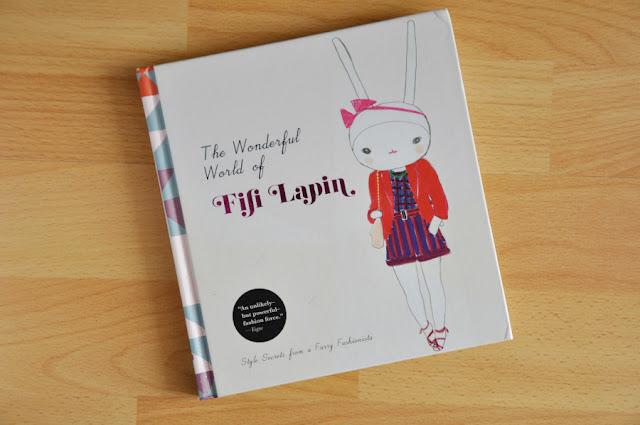Fifi Lapin book