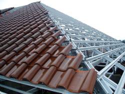 Jasa Borongan pasang atap baja ringan