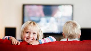 Ini Durasi Ideal Menonton TV untuk Cegah Obesitas pada Anak, Anak Menonton TV Harusnya Berapa Lama Dalam Sehari?, Durasi Nonton TV Terlalu Lama Tak Baik Bagi Kesehatan ANak
