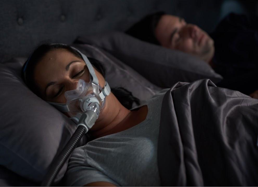 Jak żyć z bezdechowcem /część 2/ - gdy CPAP partnera przeszkadza nam w nocy