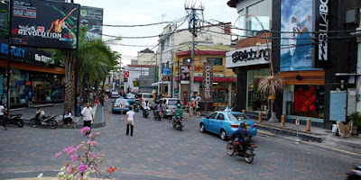 Jalan Bilabong Tempat Wisata Berberbelanja di Kuta Bali
