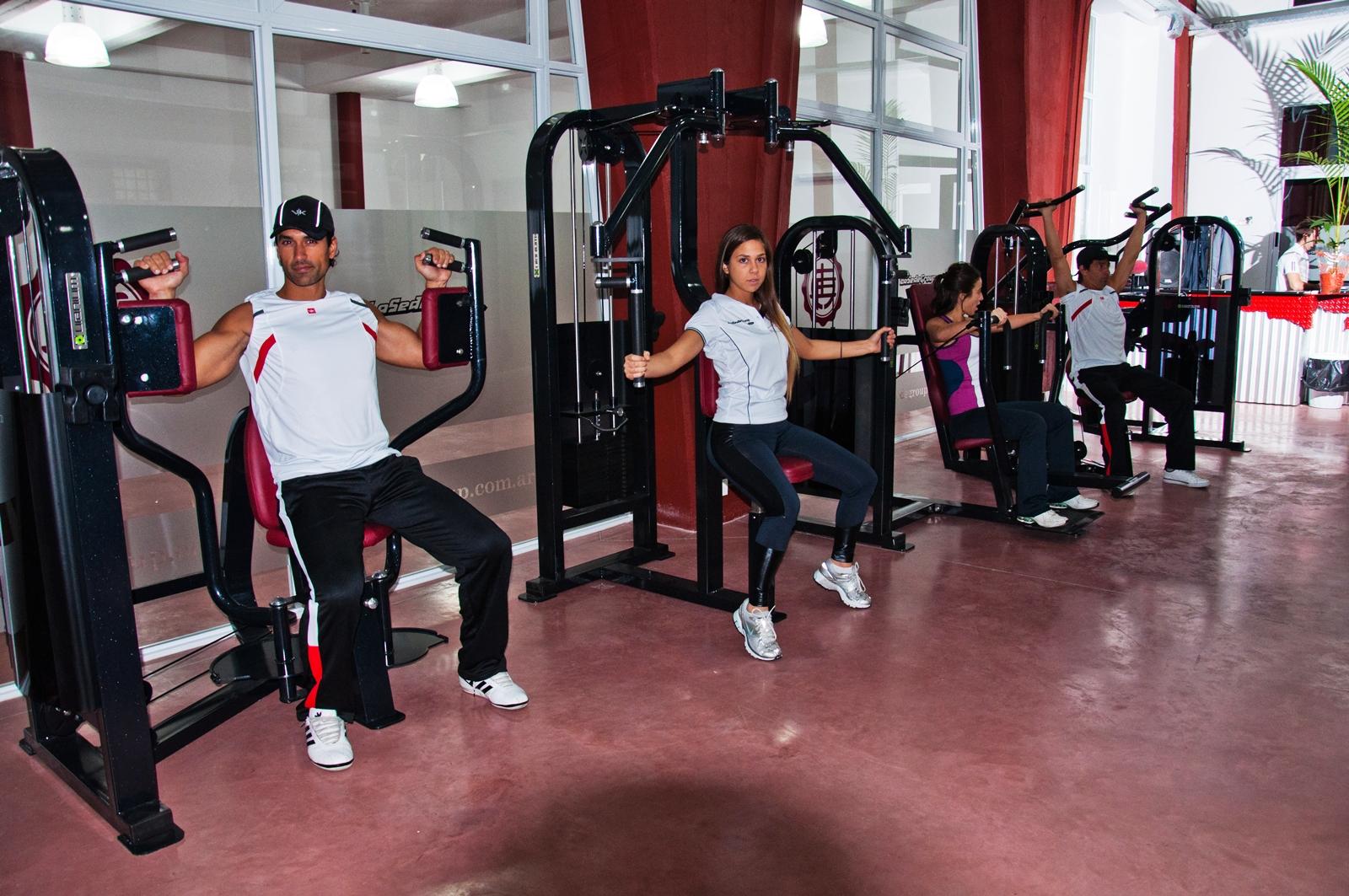 El periodist digit l lan s amplia moderno gimnasio for Gimnasio moderno