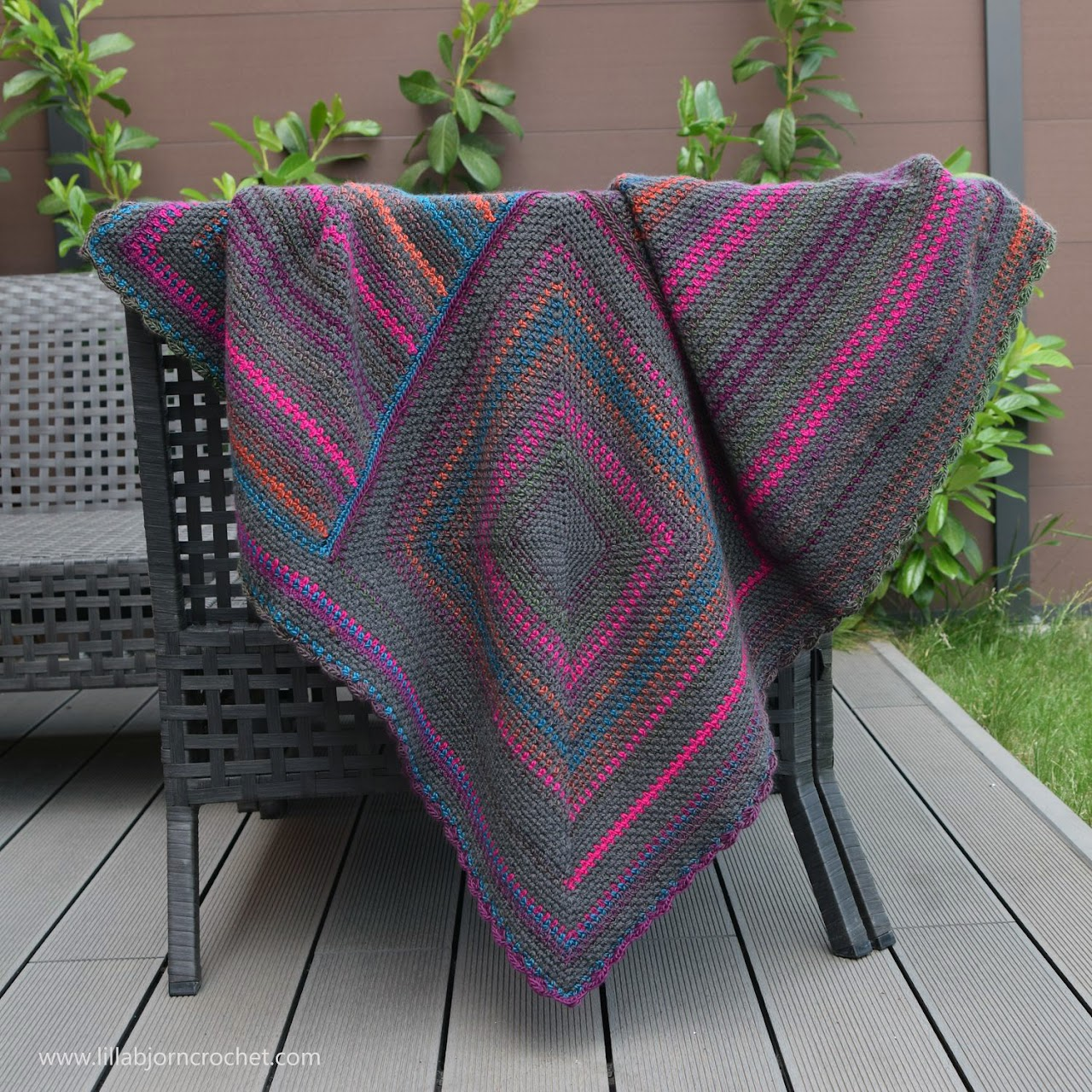 Around the World Blanket - #free crochet pattern by www.lillabjorncrochet.com