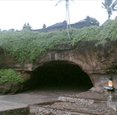 Mengenal Pura Luhur Serijong, Payuk Kebo Iwa