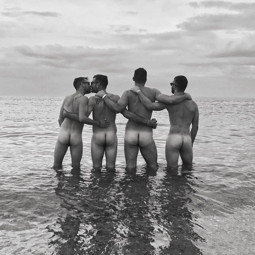 FriendS will be FriendS, ft Zachary Green, Ian Kroll, Patrick Michaud and Philip (NSFW).