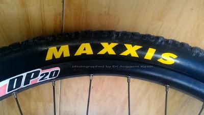 Ban sepeda Maxxis baru.