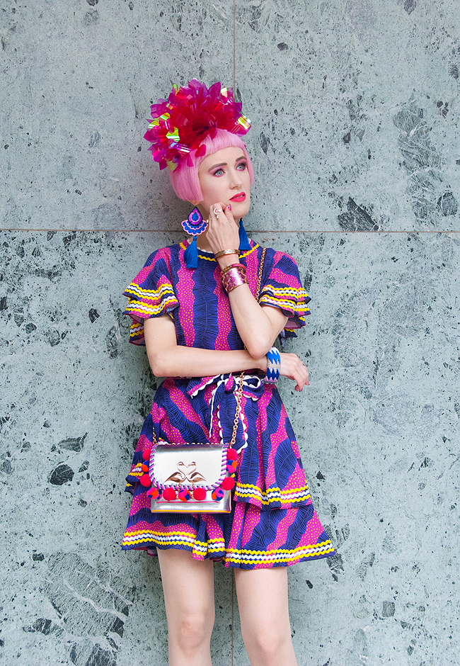 Bildunterschrift hinzufügenSara is in Love with… blogger ootd style fashion Frida Kahlo Celia B African print fascinator Fumbalinas pink hair Melissa shoes Karl Lagerfeld Sophia Webster flamingo