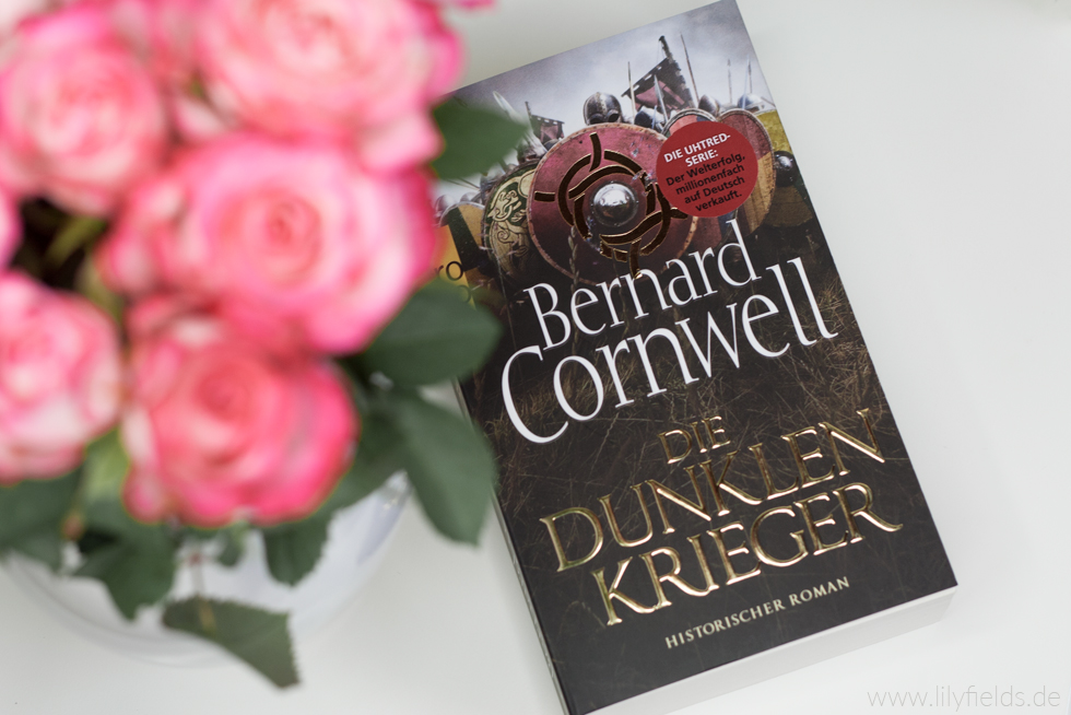 Foto zeigt das Buch Die dunklen Krieger von Bernard Cornwell