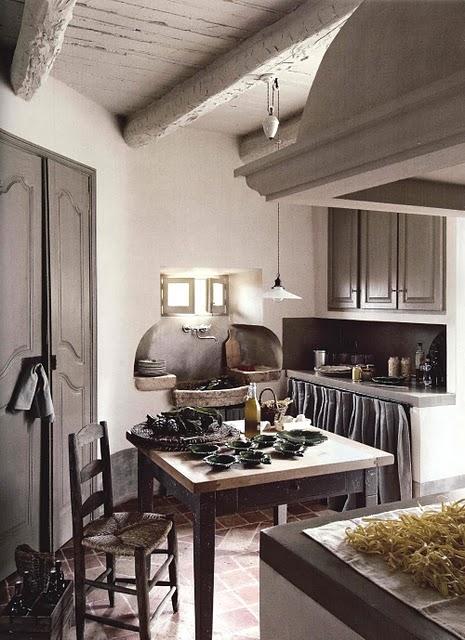 Boiserie c arredamento stile provenzale grigio miele for Provenzale arredamento