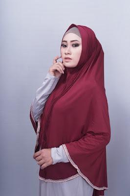 foto hijab syar'i terbaru untuk arisan dan manis