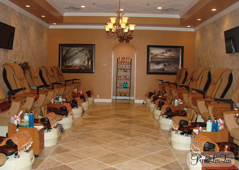 Lexington Girls: New Nail Salon! -