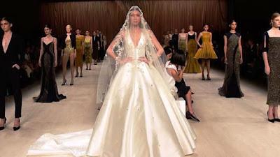 Model Gaun Pernikahan Tanpa Lengan Tampak Anggun
