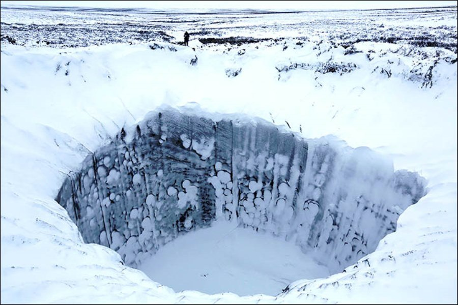 Arctic Ocean Floor Massive Craters Formed...