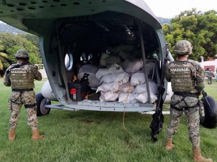 Video: Elementos de la Marina aseguran casi dos toneladas de cocaína en costas de Guerrero.