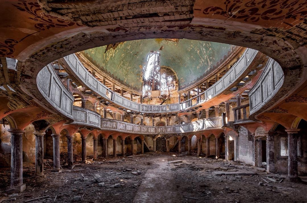 12-Christian-Richter-Architecture-with-Photographs-of-Abandoned-Buildings-www-designstack-co