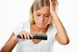 طرق طبيعيه لتساقط الشعر