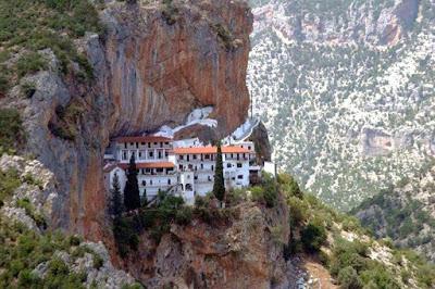 Μοναστήρια στην Πελοπόννησο που γιορτάζουν τον Δεκαπενταύγουστο
