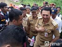Lemes, Kunjungi Lokasi Banjir, Ahok Diledek Warga Sekampung