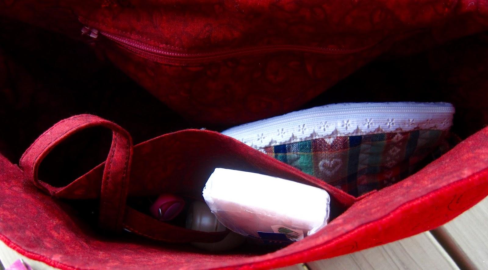 Punainen Chanel Laukku : Tilkkureppu punainen laukku ja duudsonit