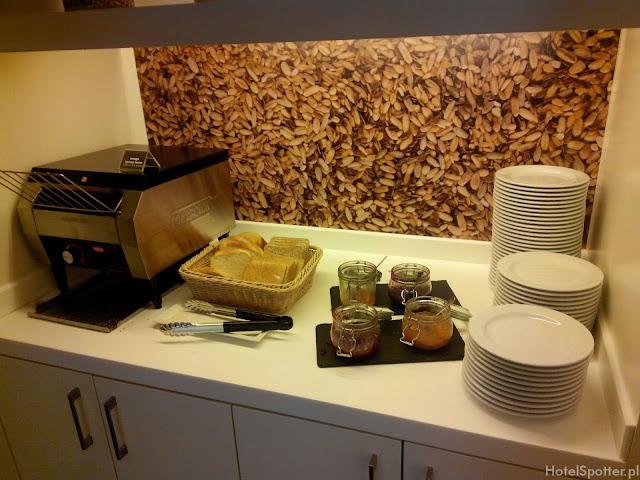 Hampton by Hilton Warsaw Airport - tosty na śniadanie