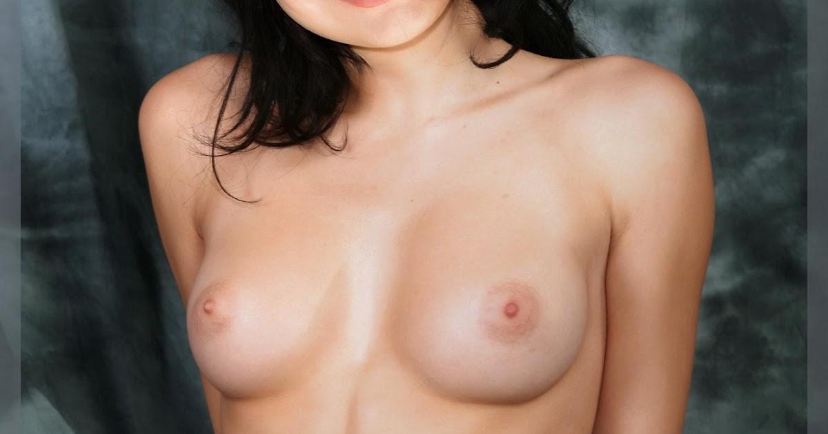 Miranda Cosgrove Fake Naked 24
